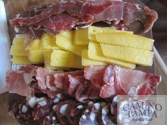 Foodie Tour to San Antonio de Areco Town & Estancia picada estancia