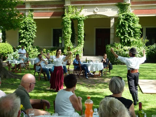 "Estancia tour Buenos Aires with folcloric music ""Chacarera"""
