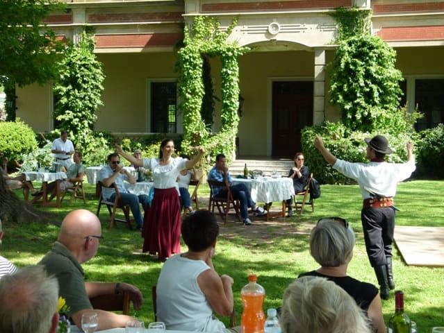 Tour de estancia con música y danzas folclóricas chacarera